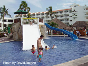 Family Travel Specialists Marival Resort Amp Suites Nuevo